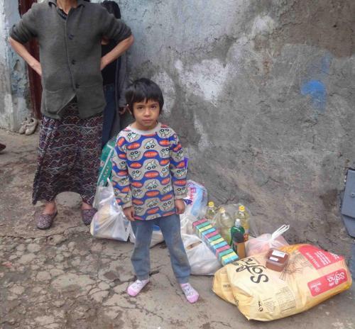 Lebensmittel für eine hungernde Familie - Dezember 2019